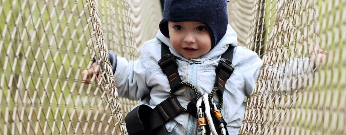 Child in play netting